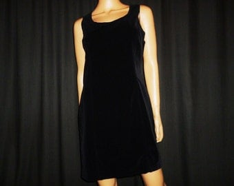 """LBD - Vintage 80's - J Crew - BLACK - Velvet or Velveteen - Fitted - Dress - with Double stitched Detail - size 8 - 36"""" bust"""