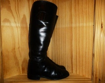 HORSING Around - Vintage 70's - Kemptown - Made in England - Black - Leather - 16 inch Tall - Equestrian RIDING Boots - marked a size 4 B