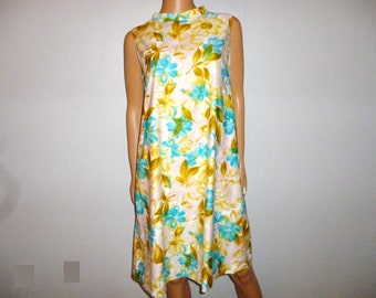 """How does your Garden Grow - Vintage 60's - Kahala Hawaii - Turquoise/Gold/Yellow/Pink - FLORAL - Shift - Trapeze - Mod - Dress - 41"""" bust"""