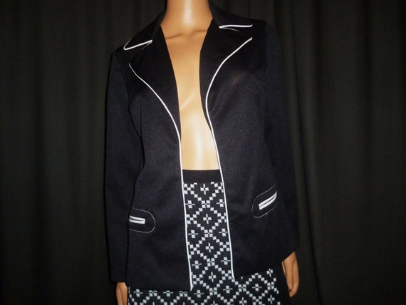 "It's in Black and White - Vintage 1960's or 1970's - Black with White Trim - Blazer - Coat - slip pocket detail - 37"" bust M/L"