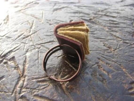 Mini book ring - dark violet