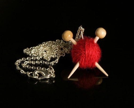 Knitting Necklace - Red