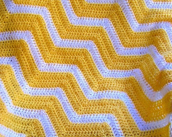 new chevron zig zag baby blanket afghan wrap crochet knit lap robe wheelchair ripple stripes lion brand VANNA WHITE yarn yellow handmade USA
