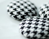 Giant Dogtooth Buttons Black and White Woven Houndstooth