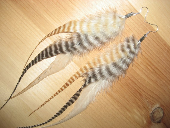 Long Grizzly Mix Triple Feather Earrings