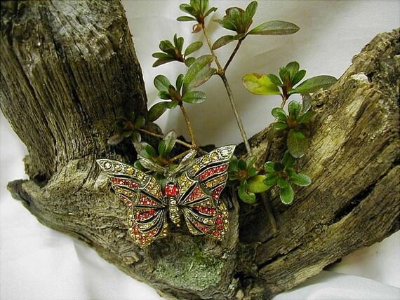 SALE Flight of Fancy Vintage Rhinestone Butterfly Brooch