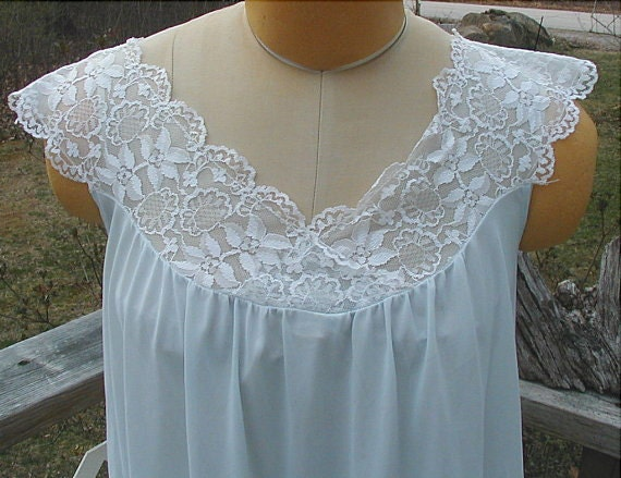 Vintage Pastel Blue Nylon and Lace Nightgown Sz S