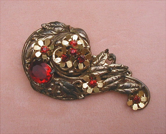 Vintage Open Metalwork and Ruby Red Rhinestone Fur Clip