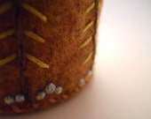 Flower Lined Tree Pin Cushion