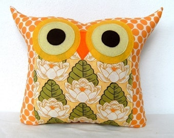 Amy Butler design fabric /pond Lily owl pillow/owl cushion/for her(large size)