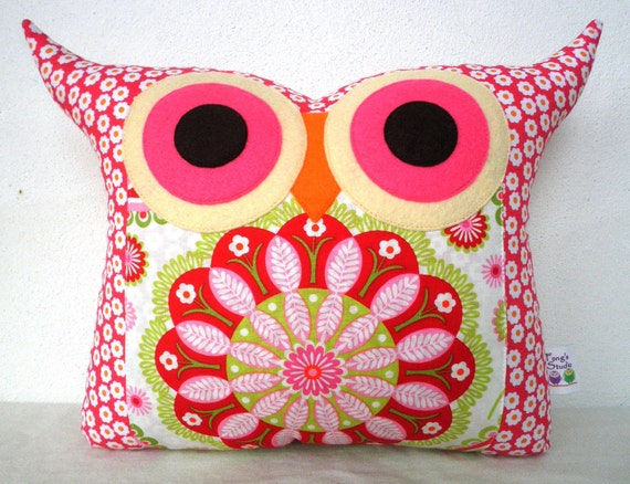 NEW// Polyfil Stuffed flower heart  2 owl pillow/Ready to ship