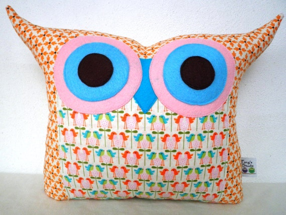 Super SALE / Polyfil Stuffed The Summer bird 2 Owl Pillow/Ready to ship