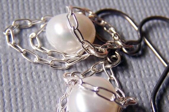 Silver Salacia - Pure Titanium Pearl Earrings