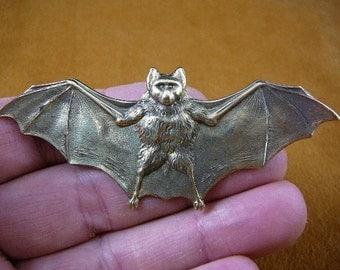 Bat love flying wings winged lucky night bats Victorian repro brass pin pendant B-Bat-100