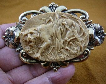 Tiger jungle hunting in tall grass Cameo brass pin pendant brooch CL78-4