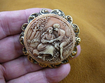 Man and Woman cuddling sitting together in garden couple CAMEO pin pendant brass brooch cm156-7