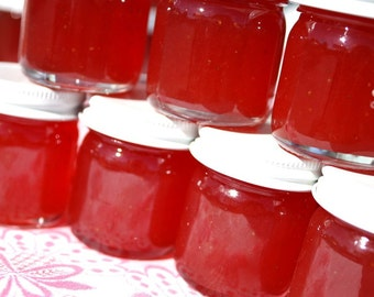 Jam favors, 200 Little Bit of Heaven 1.5oz jars of strawberry pineapple jam wedding or party favors, unique wedding or party favor
