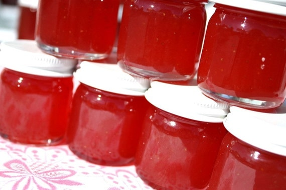 Jam favors, 150 Little Bit of Heaven 1.5oz jars of strawberry pineapple jam wedding or party favors, unique wedding or party favor