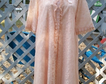 Vintage 1970s Peach Lingerie Robe and Gown Set