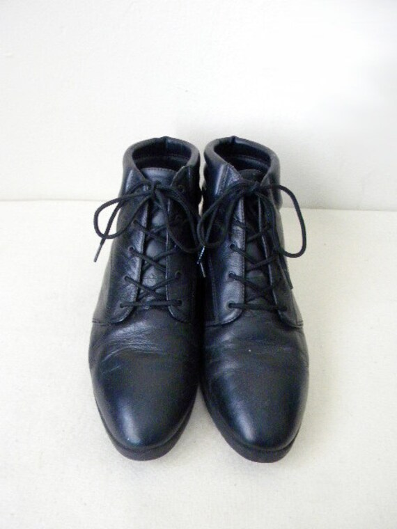 RESERVED SALE SIZE 9.5 DaneXX black leather lace up boots
