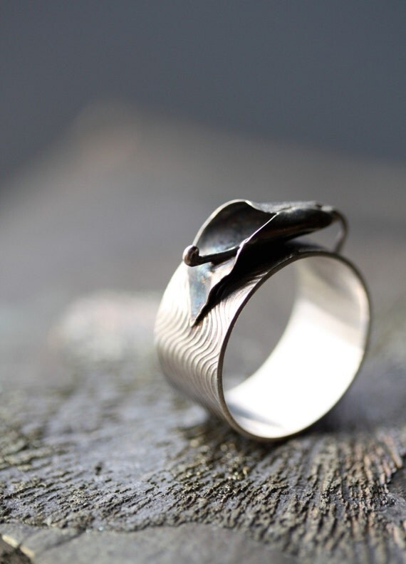 Oxidized Sterling Silver Calla Lily Ring