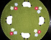 Primitive Sheep and Flower Candle\/Table Mat