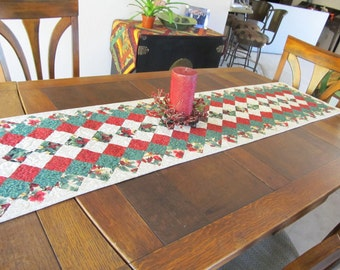 Christmas Quilt Table Runner