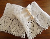 Crocheted Bridal Gloves Victorian Style White  Lace Gloves -Pearl Buttons Wedding French Paris Romantic