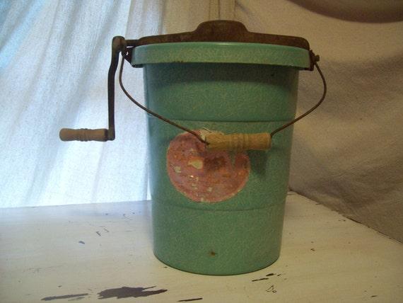 Vintage Aqua Color Ice Cream Maker