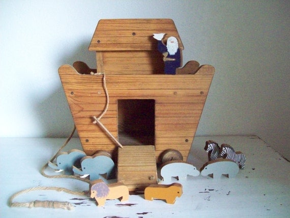 Noahs Ark Large Wooden Pull Toy and Accessories