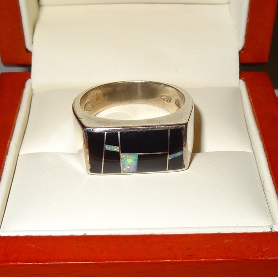 Vintage Sterling Silver Black Onyx, and Mother of Pearl Inlay Men's Ring Size 10 1/2