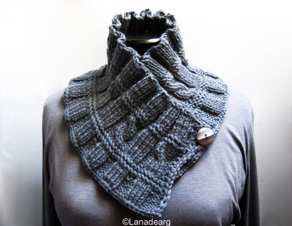 Knitted ruffled scarf collar neckwarmer holiday gift