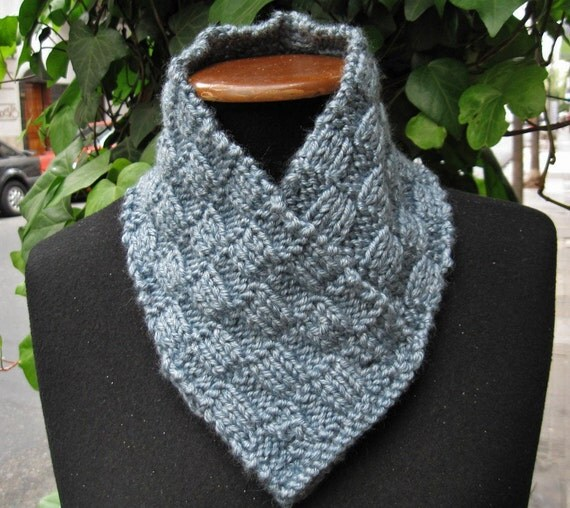 Hand knitted scarf neck warmer color gray.