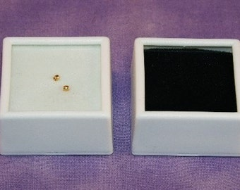 25 Glass Top Bead/Gem Boxes W/ Reversible Pad 1.5 Inch White