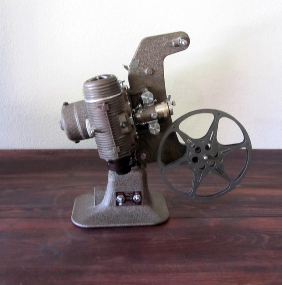 Vintage 1940s Bell And Howell Regent 8mm Film Projector With