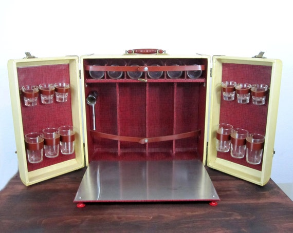 Vintage 1940s 18 glass 4 bottle travel bar retro portable - Mobile bar vintage ...