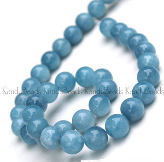 Bright BLUE AQUAMARINE beryl Round beads BIG 8mm 15 inch strand (aprox 48 beads)