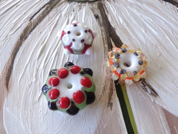 SALE LAMPWORK Glass Beads (3) SRA Red Black and White