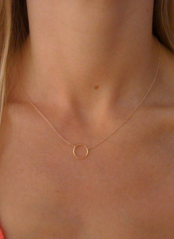 A Simple Circle Necklace