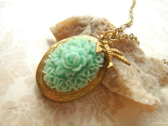 My Little Mint Garden. Oval Locket Necklace.