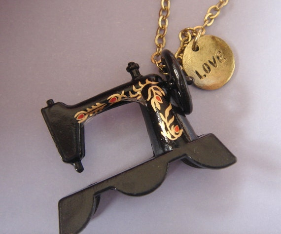 Sew in Love. Vintage Sewing Machine Necklace.