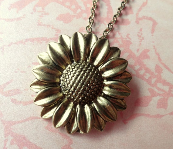 Sunflower Necklace. Summer Charm Necklace. Brass Tone.