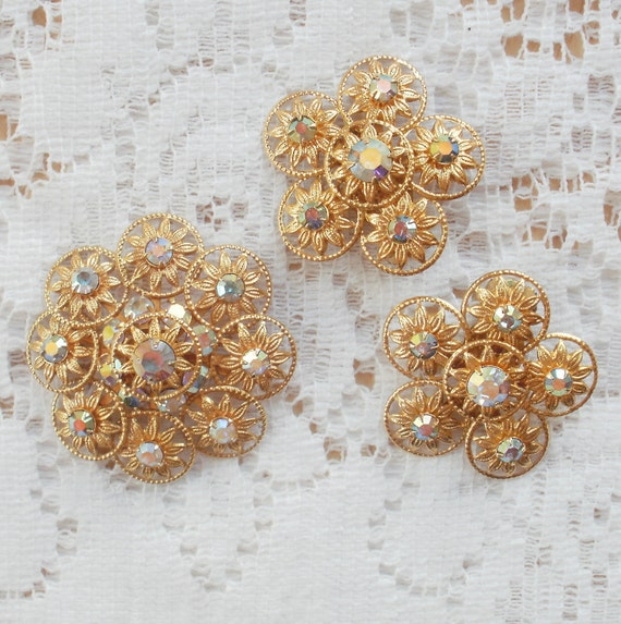Sparkling Vintage Aurora Borealis Rhinestone Brooch and Earrings Set