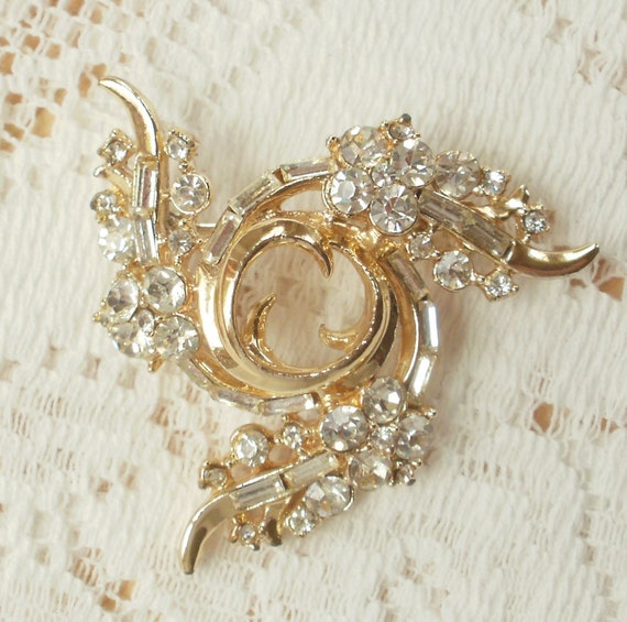 Swirling Wave Rhinestone Brooch
