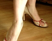 SALE // 1950s RARE Open Toe Heels Pump in Pink Tan and Raspberry colour