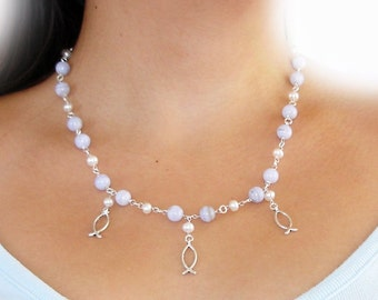 Ivory Fish Love Chalcedony Necklace