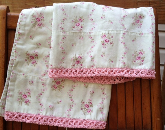 Shabby Chic Woodrose Pillowcases : Simply Shabby Chic Green and Pink Pillowcase Set
