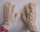 Custom Women's Trigger Mittens with Cables