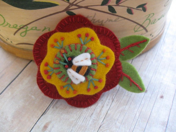 Bright and Buzzy Flower Brooch