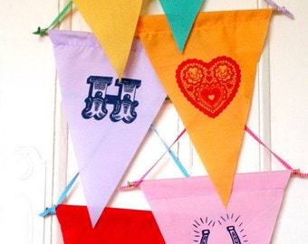 Flag / pennant wall decoration